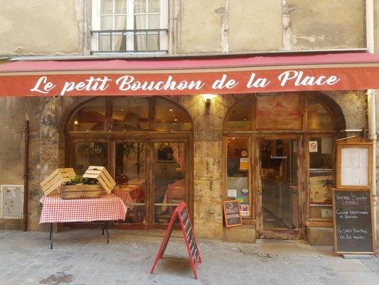 LE PETIT BOUCHON DE LA PLACE